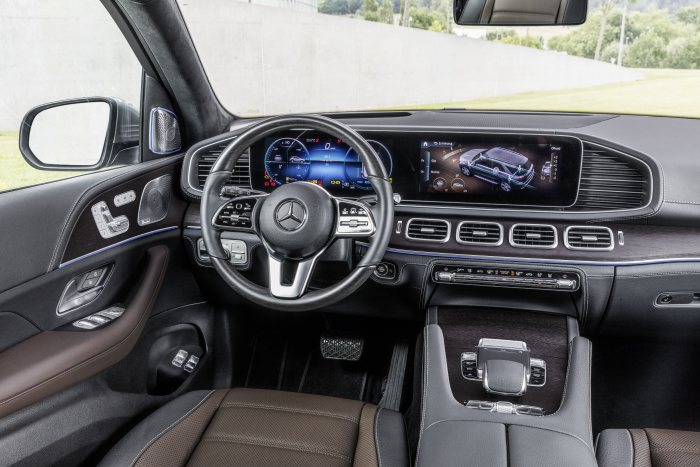 D528349-The-new-Mercedes-Benz-GLE-The-SUV-trendsetter-completely-reconceived
